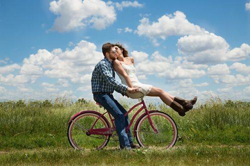 Relazioni di coppia e sociali: come migliorarle e vivere sereni